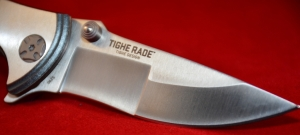 The dual ground edge gives a distinctive look and is sharp!