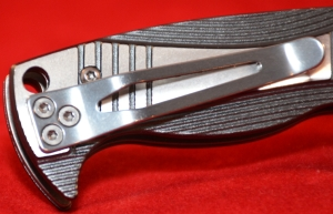While very robust; right side, tip-up is the only available carry option